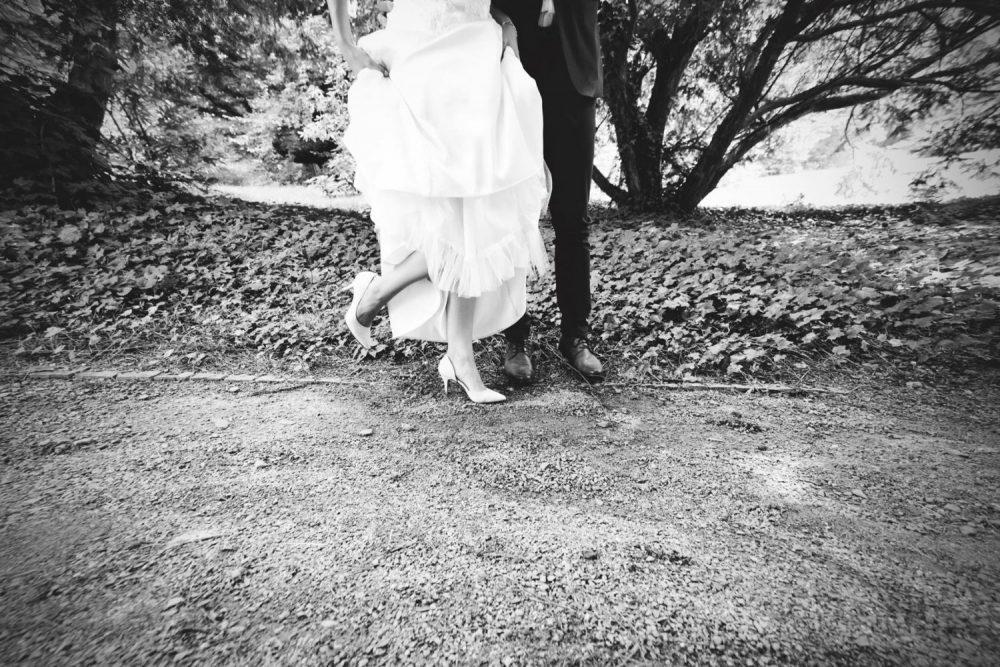 Černobílá_svatební_fotografie_AMcreation